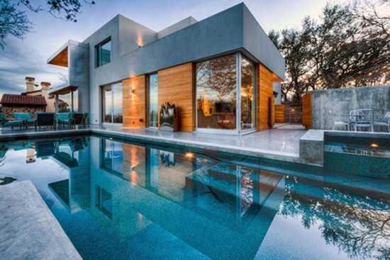 Inspirasi kolam renang outdoor (Sumber: desainsrumahminimalis.com)