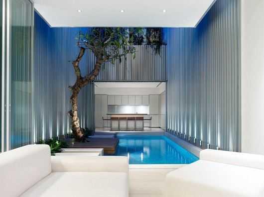 Inspirasi kolam renang indoor (Sumber: houserior.com)