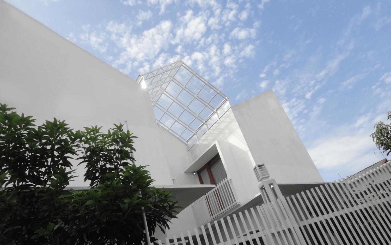 Rumah Gandeng seluas 144 m2 karya studioindoNEOsia (Sumber: arsitag.com)