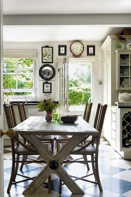 Ruang makan bergaya klasik (Sumber: houseandgarden.com)
