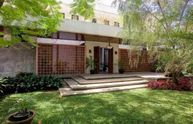 Pangkalan Jati House karya Raw Architecture(Sumber: arsitag.com)