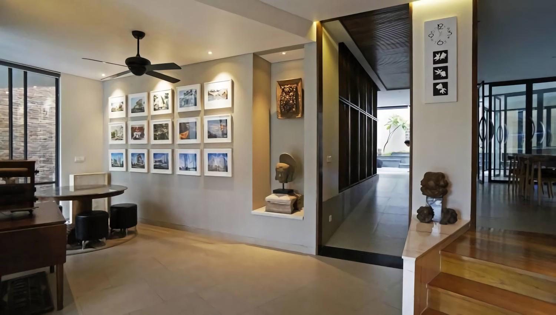 Lobby Sonny Sutanto Architects New Office karya Sonny Sutanto Architects tahun 2016 (Sumber: arsitag.com)