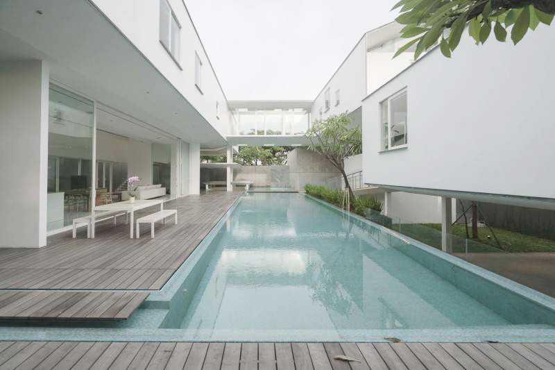 Desain Kolam Renang Keren Untuk Rumah Mewah Anda | Foto artikel Arsitag