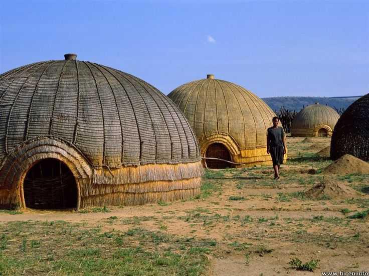 Arsitektur vernakular di Afrika (Sumber: pinterest.com)