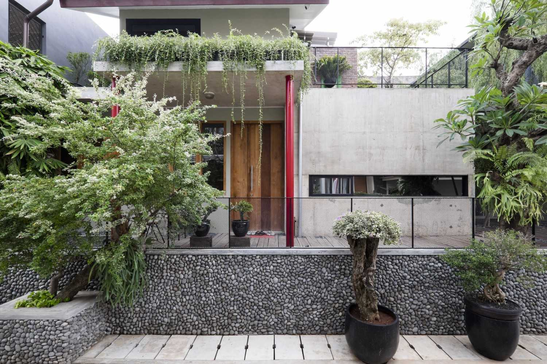 AA Residence Karya Bitte Design Studio (Sumber:arsitag.com)