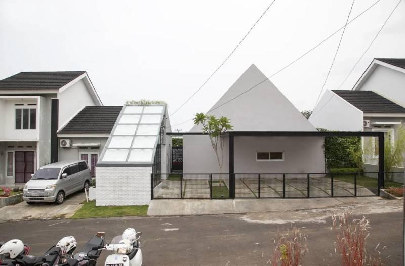 Dj House Karya Sontang M Siregar (Sumber:arsitag.com)