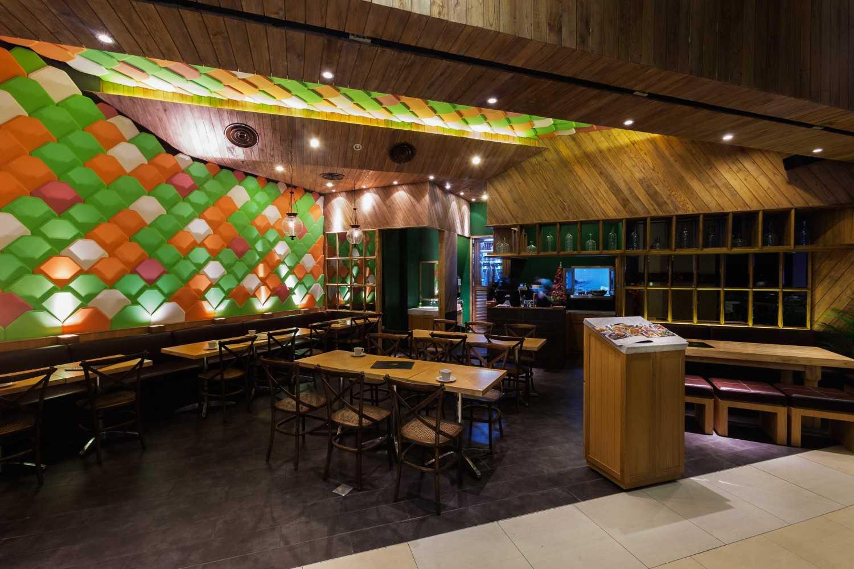 Kafe Betawi karya HighStreetStudio (Sumber: arsitag.com)