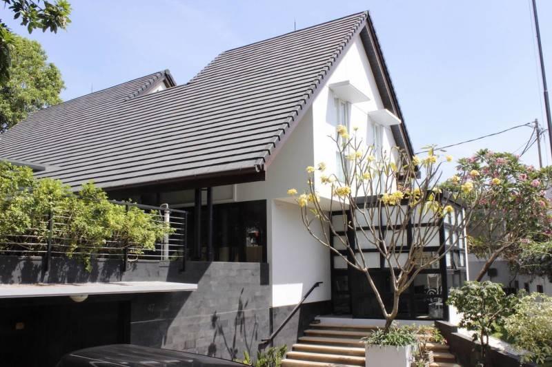 Desain renovasi rumah Cijantung House karya Monokroma Architect [Sumber: arsitag.com]