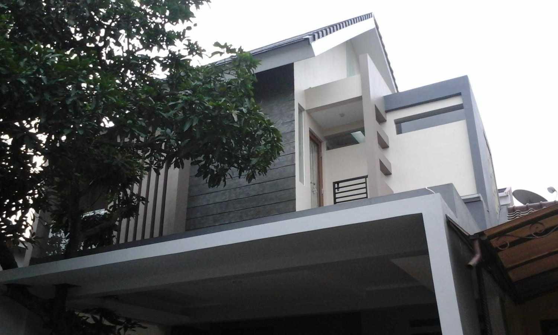 Rumah at Sakura Regency Bekasi karya faiz [Sumber: arsitag.com]