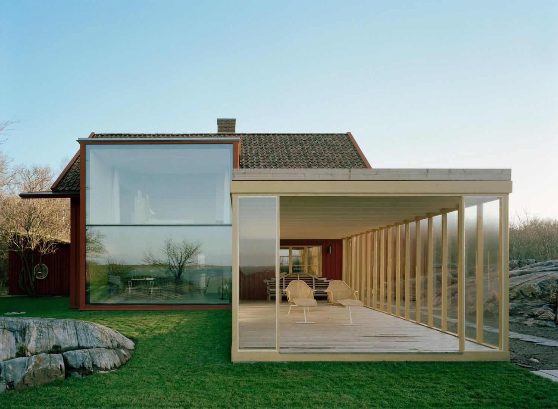 Rumah bergaya Scandinavian dengan konsep terbuka [Sumber: swedishinteriors.blogspot.co.id]