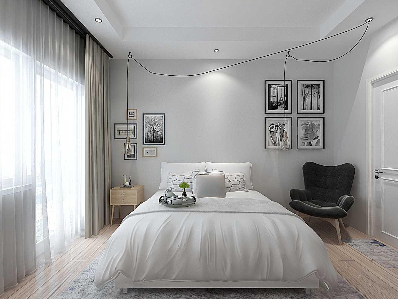 Seperti halnya eksterior rumah bergaya Scandinavian, interiornya juga ditandai dengan kesederhanaan yang dirancang untuk kehidupan fungsional dan nyaman. Trik memanfaatkan setiap sudut ruang di bawah tangga ini merupakan contoh bagus desain fungsional dan efisien yang juga nyaman. Di sini terdapat tempat duduk built-in sekaligus dipan dan penyimpanan built-in yang membuat tampilan bersih dan berkesan lapang.