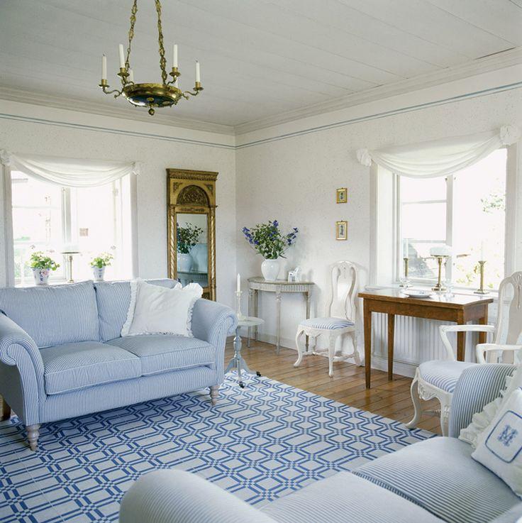 Rumah bergaya Gustavian Scandinavian [Sumber: pinterest.com]