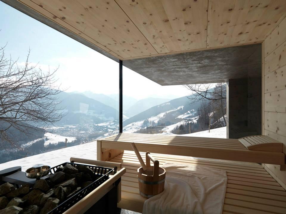 Sauna dalam rumah bergaya Scandinavian [Sumber: pinterest.com]
