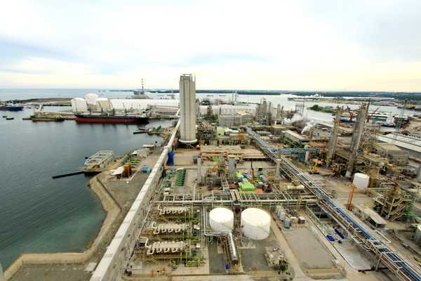 Secara umum, kriteria pertimbangan pemilihan lokasi dalam pembangunan kawasan industri di Indonesia adalah sebagai berikut: