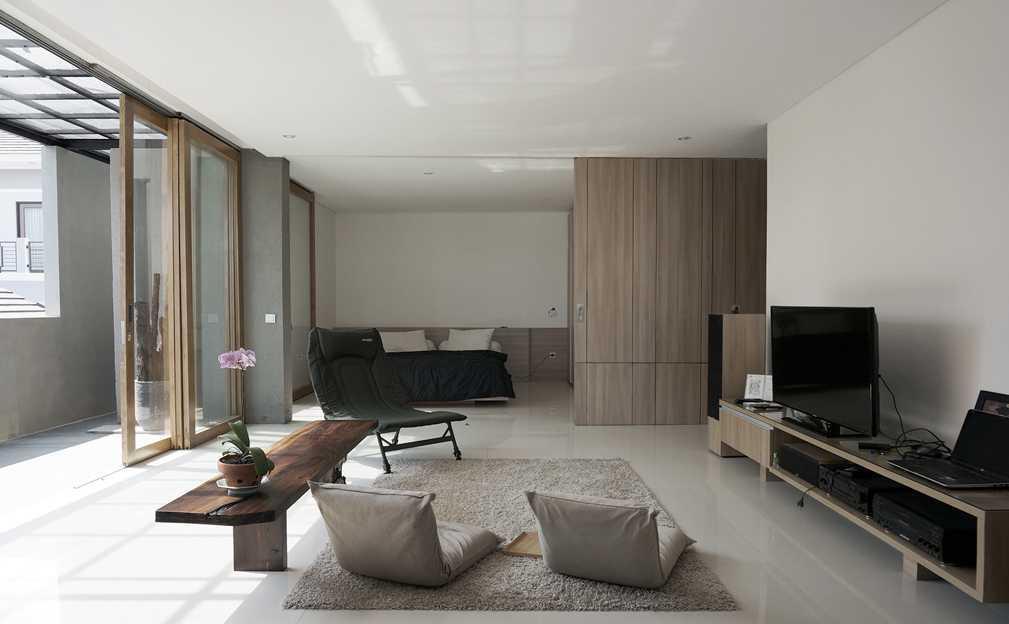 Gaya rumah Jepang minimalis The Mighty Mini - Conformable Minimax House karya Eben [Sumber: arsitag.com]