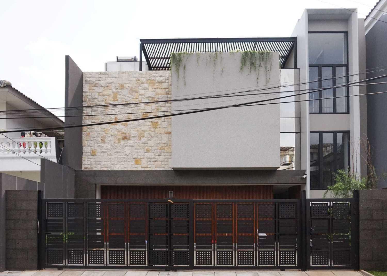 Dicky House karya Monokroma Architect tahun 2017 (Sumber: arsitag.com)