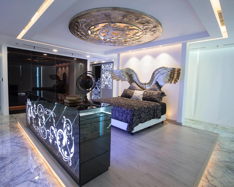 Desain kamar tidur unik Kamar Tidur Wings karya Levendig Interior [Sumber: arsitag.com]