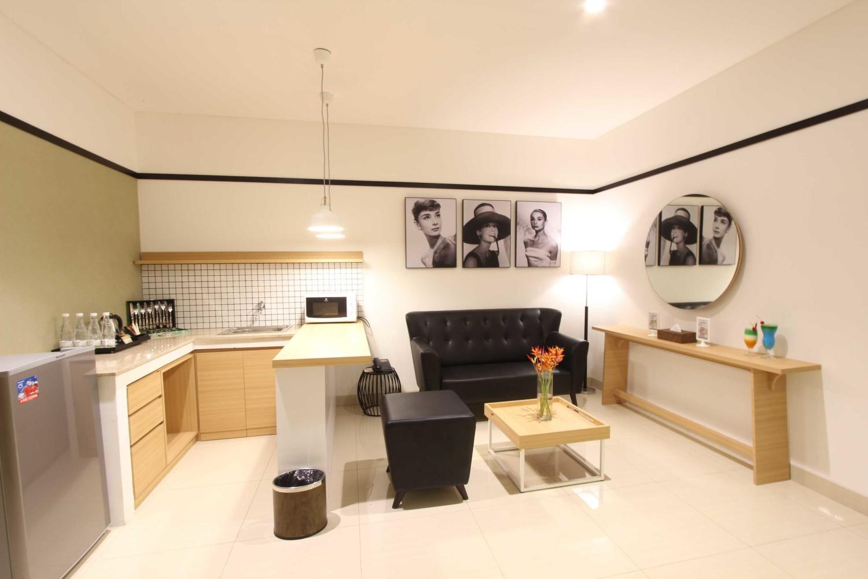 Executive Suite Room No 2 di Clove Garden Hotel, Bandung karya arkitekt.id tahun 2016 (Sumber: arsitag.com)