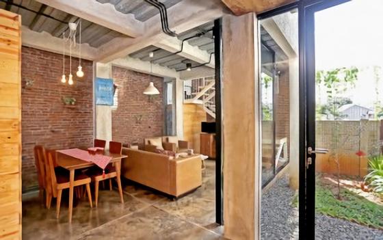 Rumah low budget yang nyaman didesain arsitek ternama, Akanoma Yu Sing (sumber: nova.id)