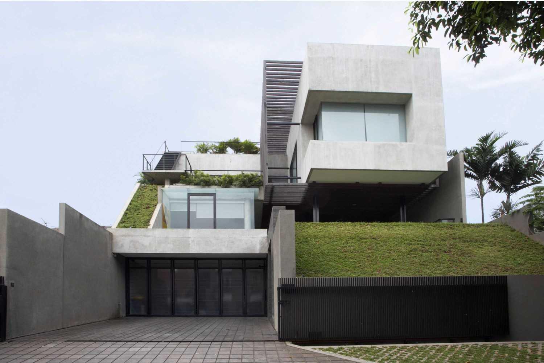 W House di Tulodong, Jakarta karya Studio Air Putih (sumber: arsitag.com)