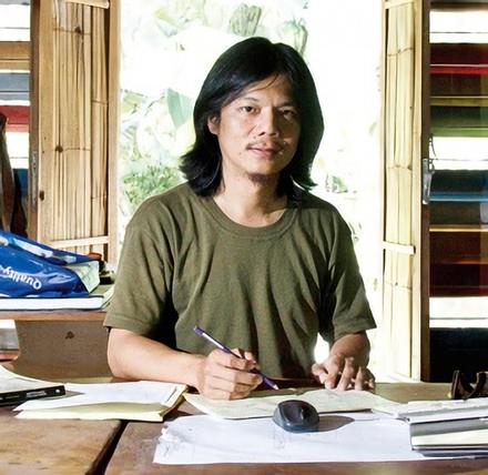 """Yu Sing, arsitek pendiri Studio Arsitektur Akanoma """"Akar Anomali"""" dan penulis buku """"Mimpi Rumah Murah"""" (2009). (sumber: koran.tempo.co)"""