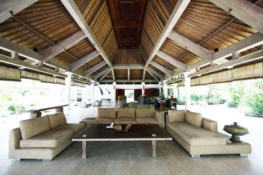 Desain rumah etnik sederhana Pandawa Villas karya DDAP Architect [Sumber: arsitag.com]