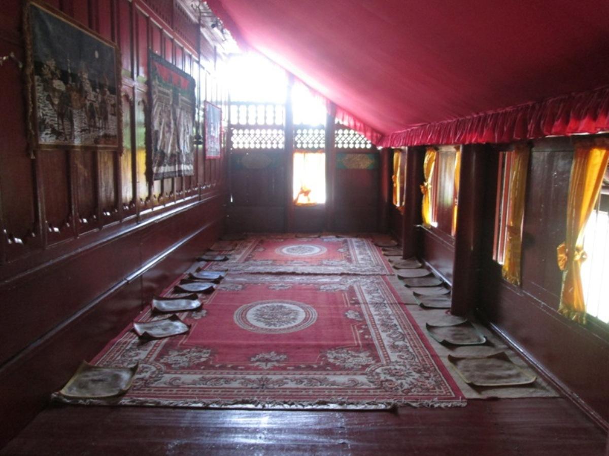 Desain interior rumah gaya etnik Aceh [Sumber: rumah-adat.com]