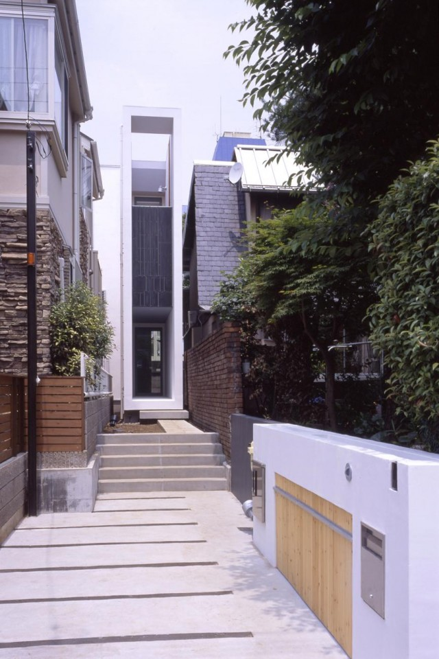 Gaya rumah Jepang modern Flagpole House karya Milligram [Sumber: milligram.ne.jp]