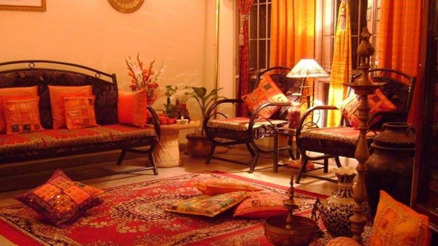 Desain Ruang Tamu Ala India (Sumber: rumahku.com)