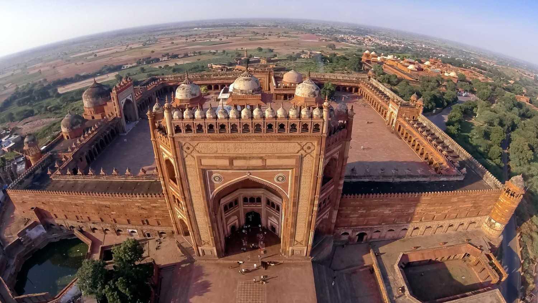 Fatehpur Sikri, peninggalan Kaisar Akbar (Sumber: www.dronestagr.am)