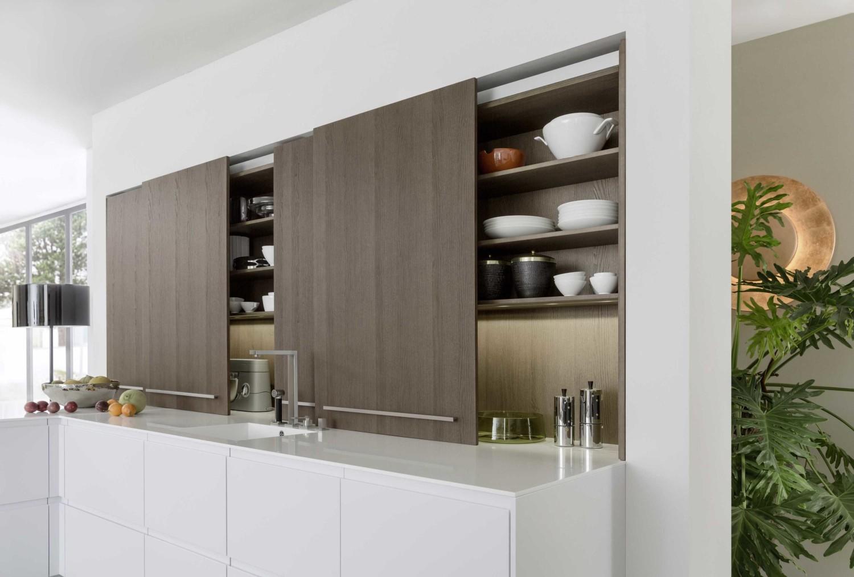 Desain rumah mewah Scandinavian berbicara mengenai kebutuhan akan ruang yang cerdas melalui penyimpanan praktis (smart storage) dan daya tarik visual.