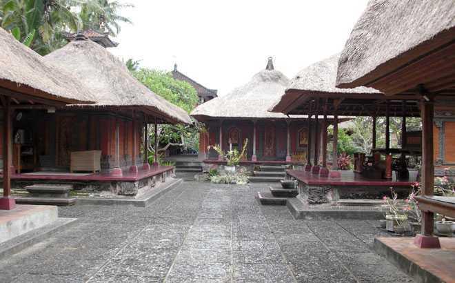 Berdasarkan filosofi tersebut, arsitektur Bali berfokus pada 4 aspek, yaitu:
