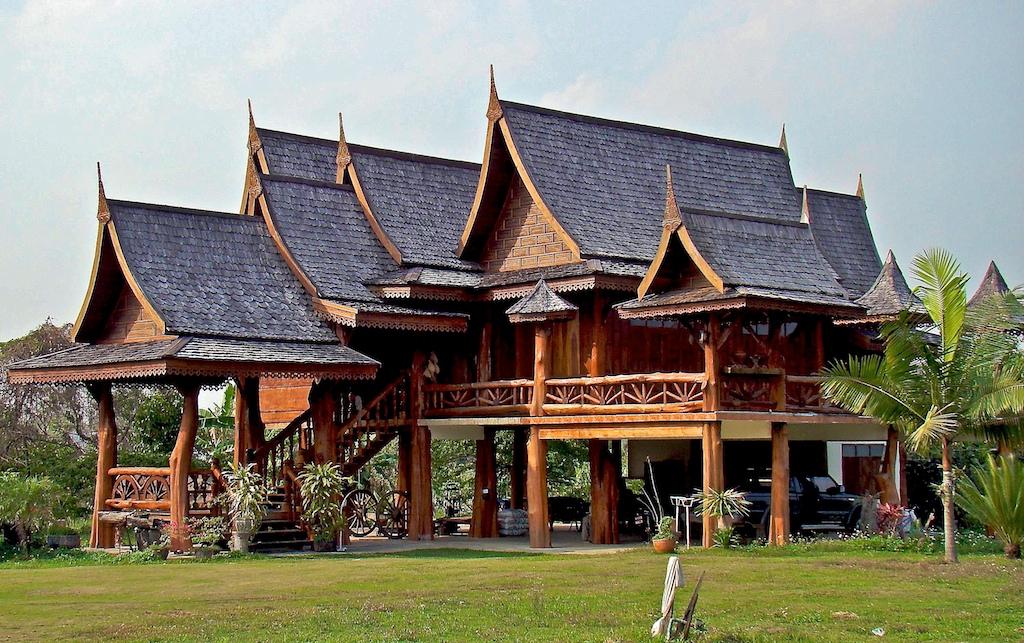 Lantai yang ditinggikan (Sumber: villagefarang.blogspot.co.id)