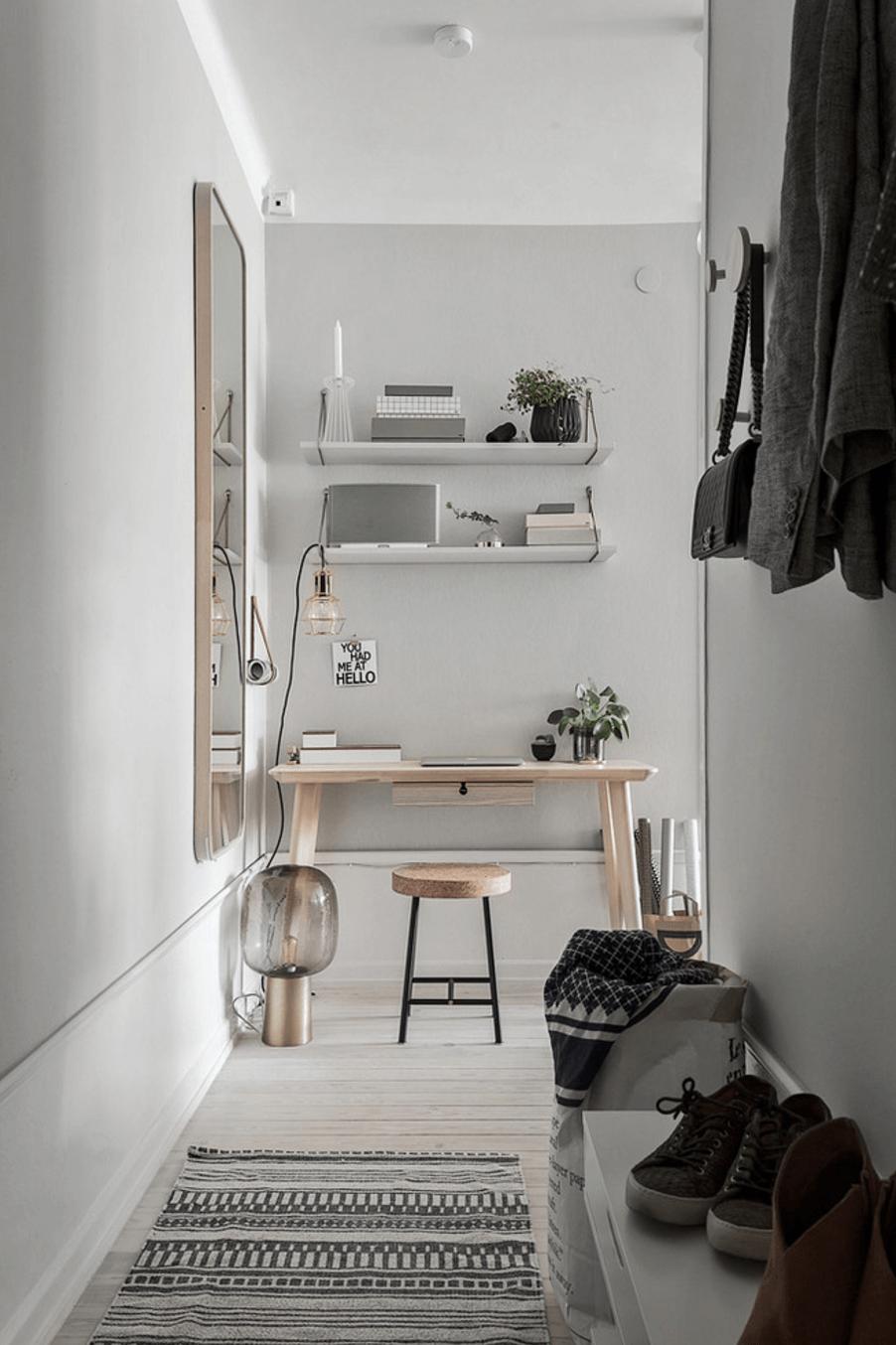 Memanfaatkan salah satu sudut rumah menjadi ruang kerja (Sumber: freshome.com)