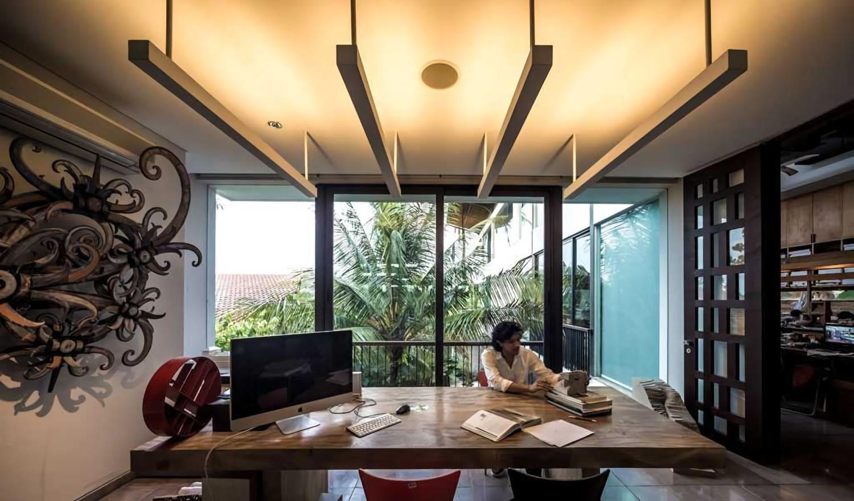 Home Sweet Office di Bintaro, Jakarta karya HAN AWAL & PARTNERS (Sumber: arsitag.com)