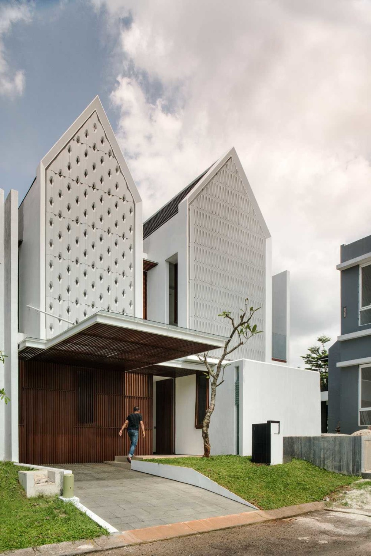 Spouse House karya Parametr Architecture tahun 2015 (Sumber: arsitag.com)
