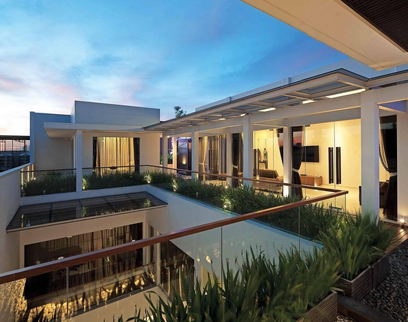 12 Desain Balkon Keren Untuk Rumah Mewah Anda Arsitag