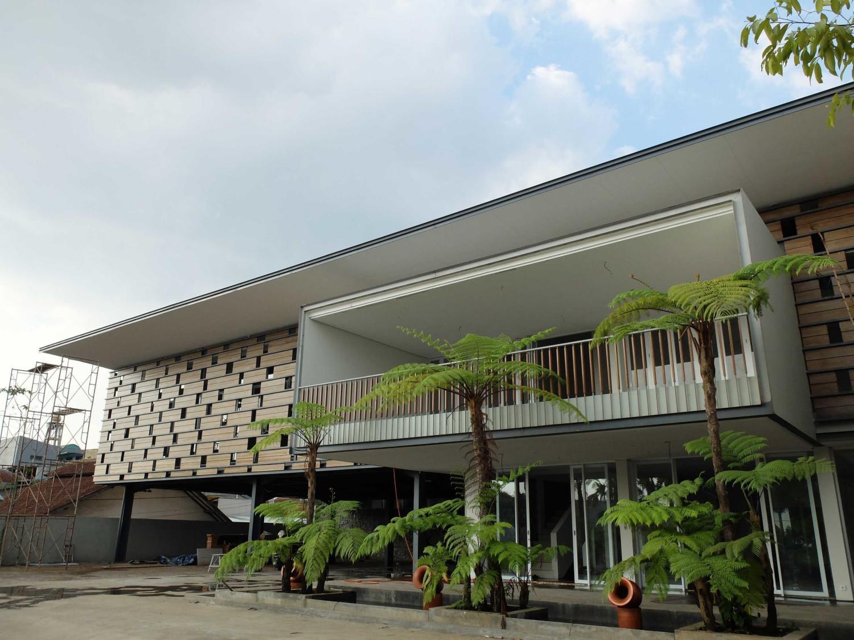 ADMA PROVENCE di Jl.Abadi-Geger Kalong, Bandung karya RDMA tahun 2015 (Sumber: arsitag.com)