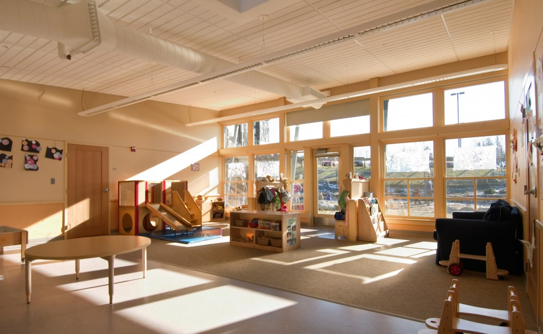 Ruangan yang luas menjadi faktor penting desain child care (Sumber: www.freshittips.com)