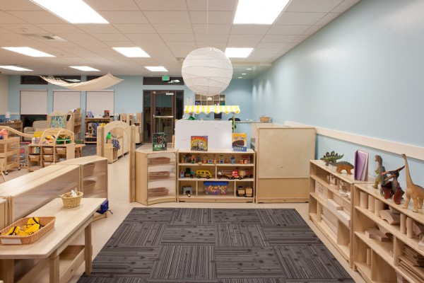 Contoh desain interior child care (Sumber: domusstudio.com)