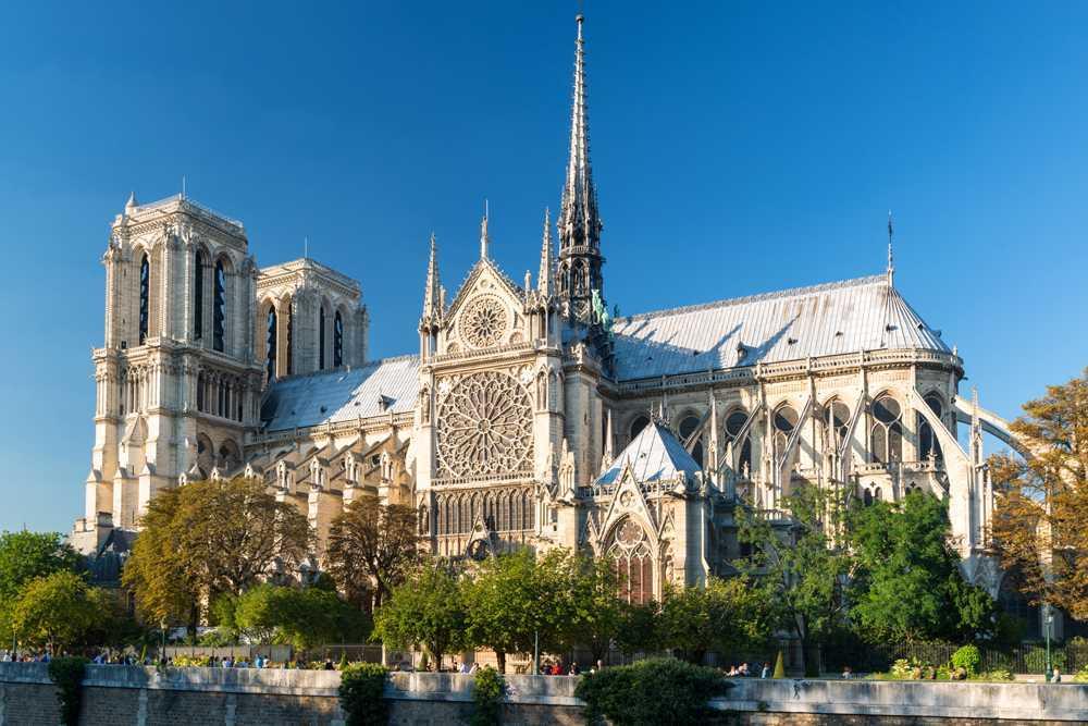 Gaya arsitektur Gotik | Foto artikel Arsitag