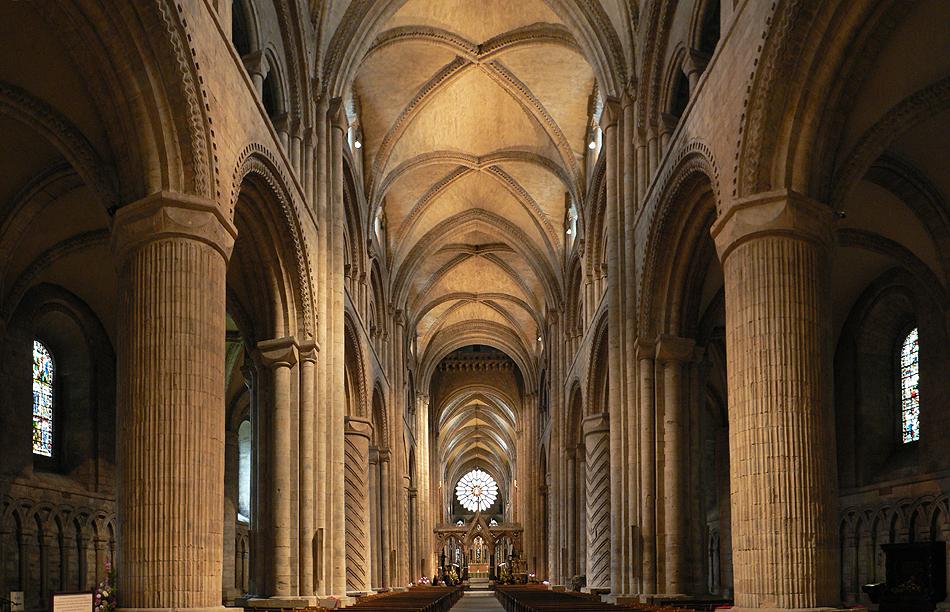 Durham Katedral di kota Durham, Inggris (Sumber: commons.wikimedia.org)