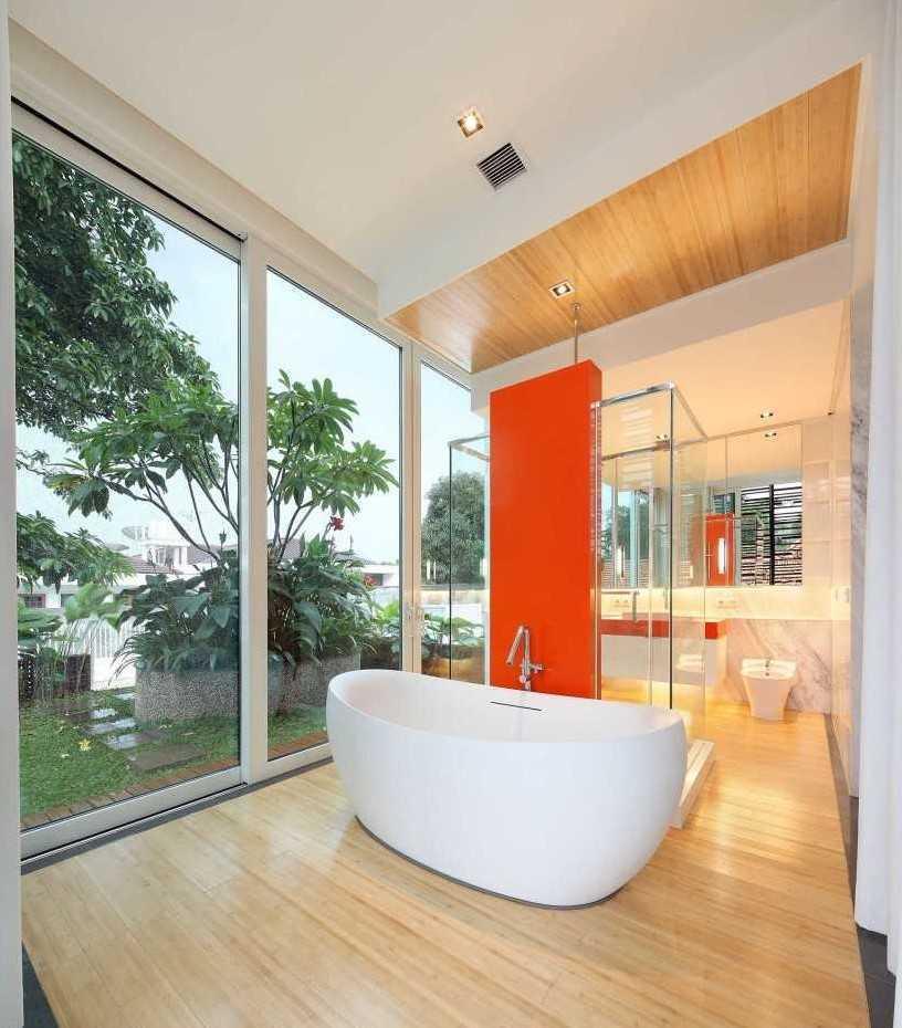 Fushion House Karya Atelier Cosmas Gozali (Sumber: arsitag.com)
