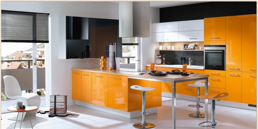 Dapur Bernuansa Orange (Sumber: home-designing.com)