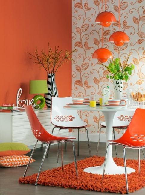 Ruang Makan dengan Nuansa Orang (Sumber: lushome.com)