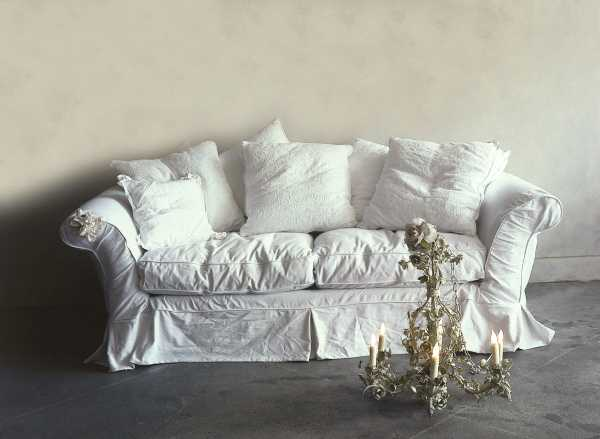 Slipcovers (Sumber: www.frenchentree.com)
