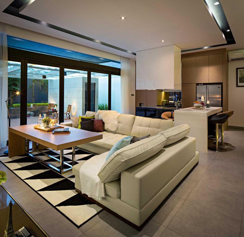 S+I House di Jakarta karya DP+HS Architects tahun 2015 (Sumber: arsitag.com)