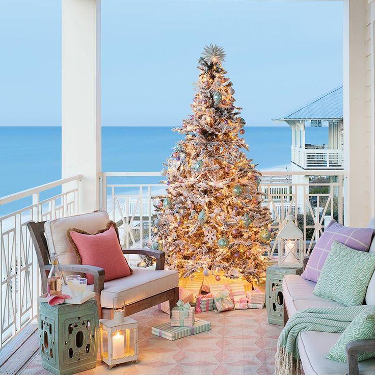 Dekorasi Natal di Balkon Rumah (Sumber: Pinterest.com)