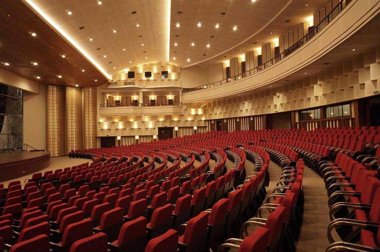 Auditorium Driyarkara Universitas Sanata Dharma Yogyakarta karya PT Rahayu Trade & Contractor tahun 2016 (Sumber: arsitag.com)