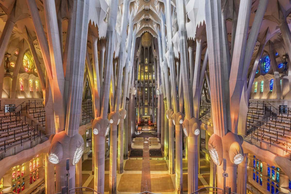 Sagrada Familia karya Antoni Gaudí yang diteruskan oleh Catalan architect (Sumber: sagradafamilia.org)